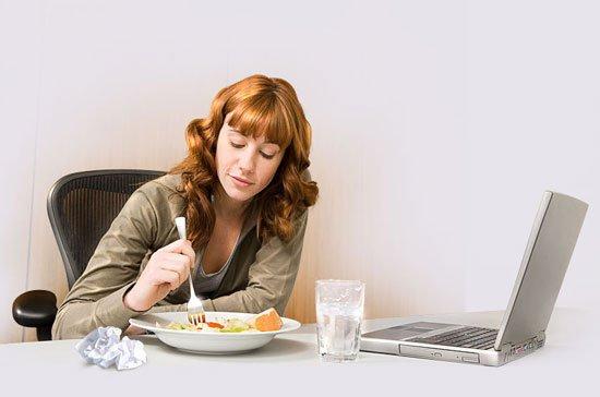 Кушаем сидя, или правила питания в офисе