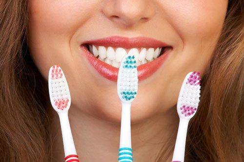 Как правильно выбрать зубную щётку?