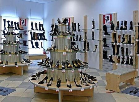 Торговые стеллажи для обуви и одежды