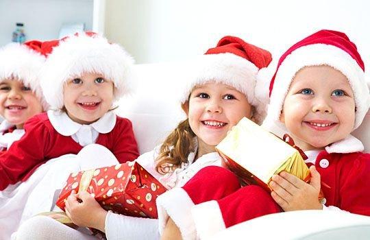 Новогодние подарки детям
