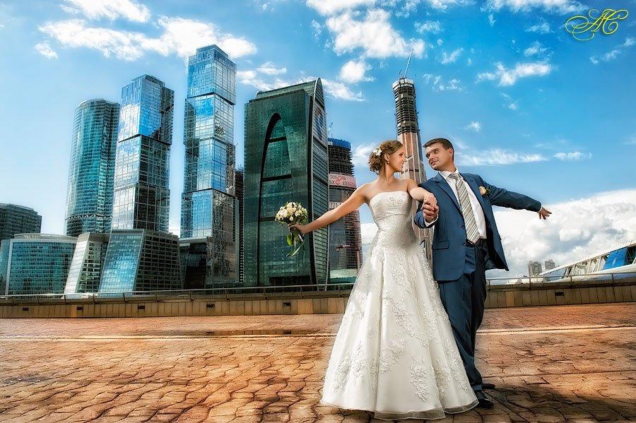 Свадебный фотограф - необходимый профессионал на вашем торжестве