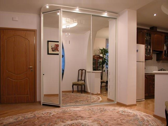 Шкаф-купе, как вариант экономии пространства в квартире
