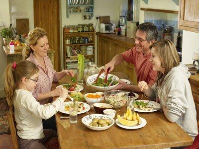 Обеденные столы – мебель первой необходимости в вашем доме