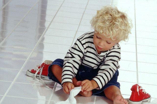 Как научить ребенка самостоятельно надевать одежду?