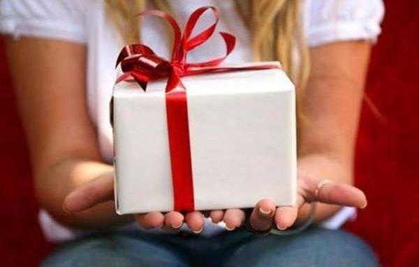 Выбирай, но осторожно: как не попасть впросак с подарком за рубежом