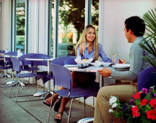 Как произвести впечатление на мужчину на первом свидании?