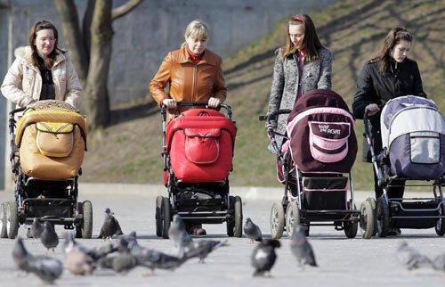 Прогулка с детской коляской