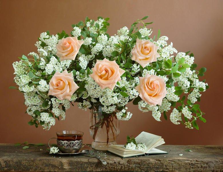 Как сохранить красоту букета из роз?