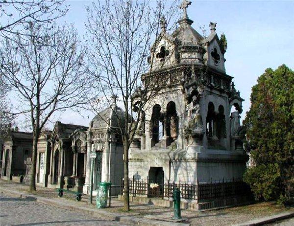 Удивительное французское кладбище