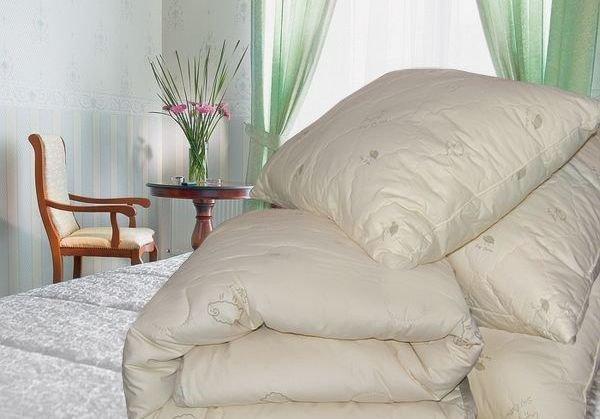 Шелковые одеяла и одеяла из овечьей шерсти