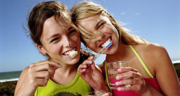 Как правильно почистить зубы