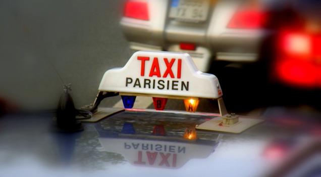 Даже русским туристам предоставляется «свое» такси в Париже