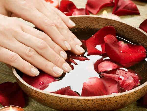 Ухаживаем за женскими ручками : простые правила ухода за кожей рук в  домашних условиях