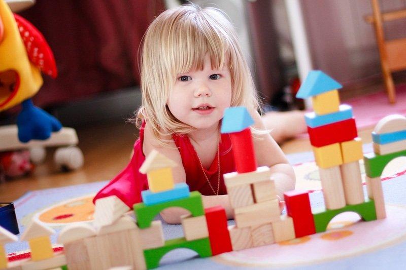 Какими должны быть правильные игрушки для детей? Советы родителям