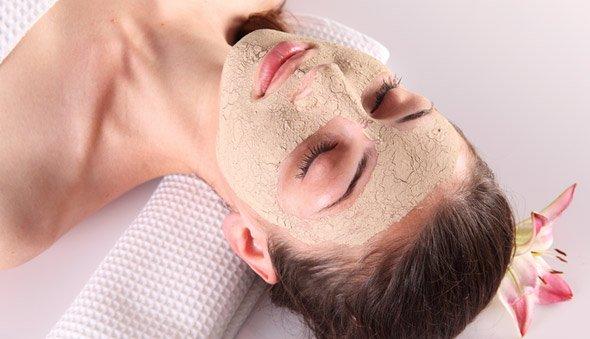 Может ли домашняя косметика заменить собой дорогие процедуры в салоне красоты?