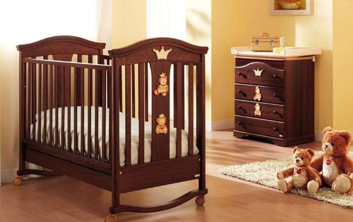 Как не ошибиться в выборе кроватки для новорожденного?
