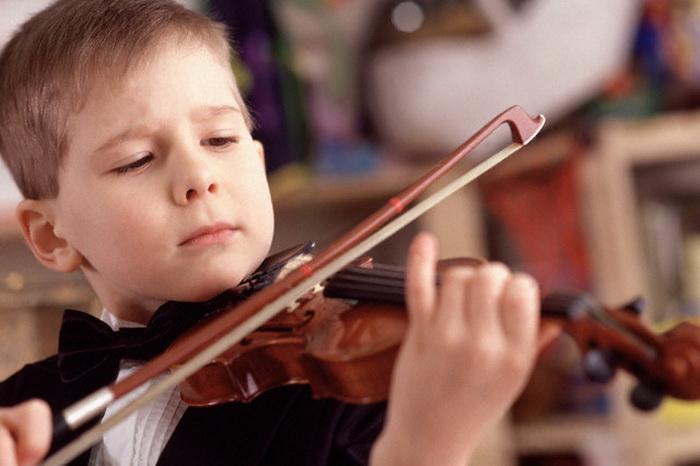 Надо ли отдавать ребенка в кружок художественной самодеятельности