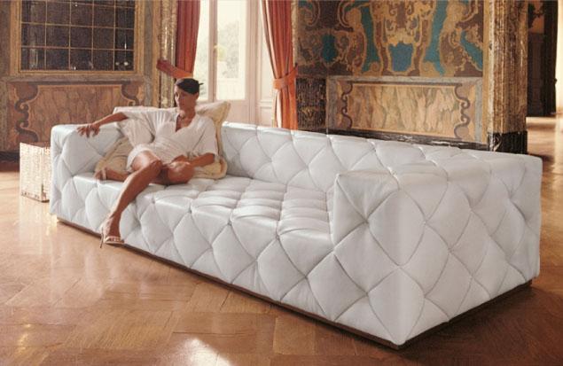 В каких случаях не стоит пытаться самостоятельно делать перетяжку мягкой мебели