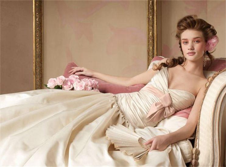Некоторые интересные сведения о свадебных платьях