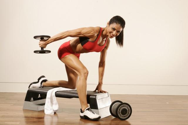 Почему женщины стали предпочитать фитнес бодибилдингу