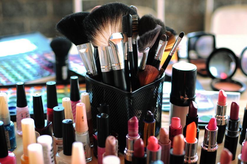 Профессиональная косметика: особенности и преимущества