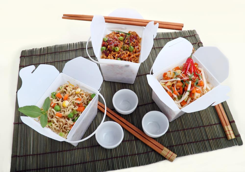 Азиатская еда в коробочках
